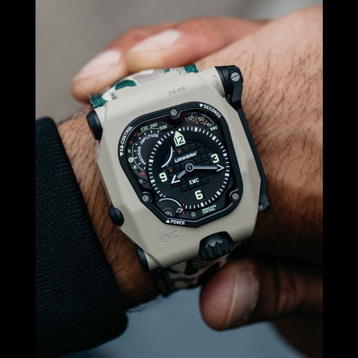 https://www.urwerk.com/sites/default/files/styles/square_ps/public/gallery/desert-sage-1.jpg?itok=vW4x5mJ7